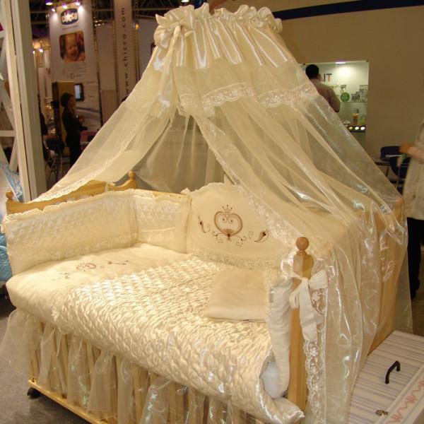 Наборы в кроватку для новорожденных с балдахином